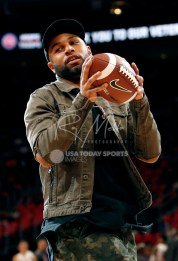 Nov 10, 2017; Detroit, MI, USA; Detroit Lions wide receiver Golden Tate catches a football during the second quarter in the game between the Detroit Pistons and the Atlanta Hawks at Little Caesars Arena. Mandatory Credit: Raj Mehta-USA TODAY Sports