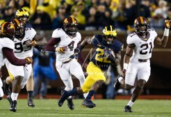 Nov 4, 2017; Ann Arbor, MI, USA; Michigan Wolverines running back Karan Higdon (22) runs the ball during the first quarter against the Minnesota Golden Gophers at Michigan Stadium. Mandatory Credit: Raj Mehta-USA TODAY Sports