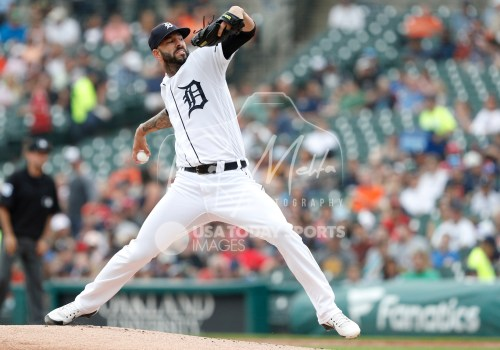 Aug 1, 2018; Detroit, MI, USA; Detroit Tigers starting pitcher Mike Fiers (50) pitches the ball during the first inning against the Cincinnati Reds at Comerica Park. Mandatory Credit: Raj Mehta-USA TODAY Sports