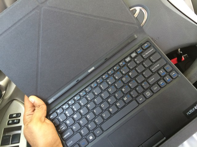 The keyboard-cum-cover. Notice the dock connector in the middle. That's where you dock the tablet.