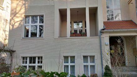 Im Souterrain wohnte vermutlich Paul Scheerbart von März 1907 bis März 1909.