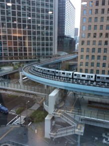 Monorail durchquert Tokio.
