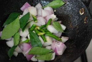 parangikkai chutney temper, onion