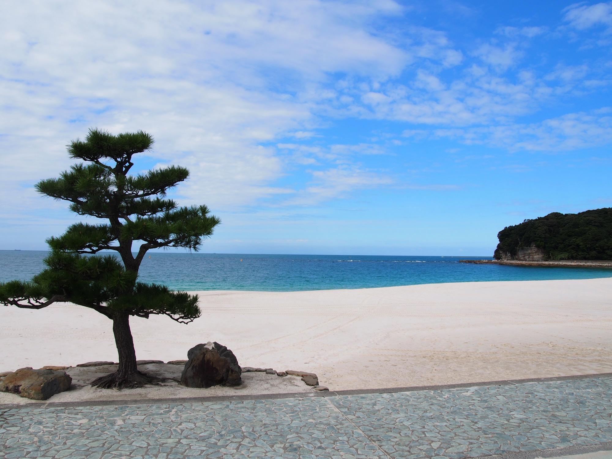 6. Shirahama Onsen