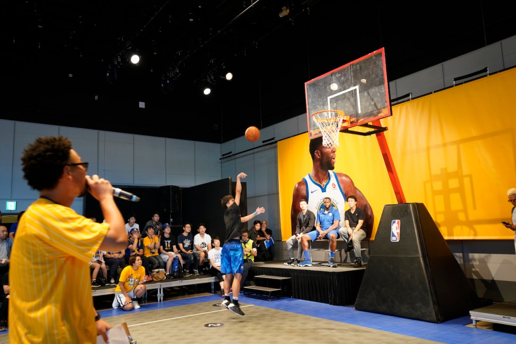 Draymond Green spectated as the finalists displayed their basketball prowess.