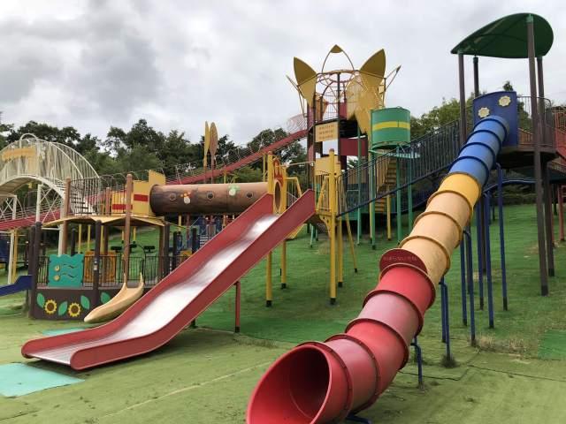 【高槻市 萩谷総合公園】大型遊具から本格的なトレッキングまで、家族連れでゆったり遊べる穴場スポットです。