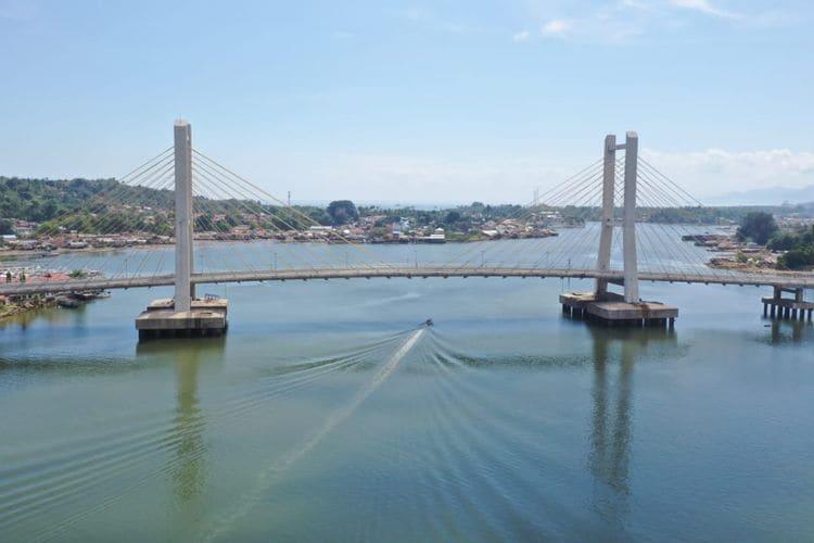 Pembangunan jembatan bertujuan untuk mendukung konektivitas pengembangan wilayah selatan Kota Kendari yakni daerah Poasia dan Pulau Bungkutoko yang akan dikembangkan menjadi kawasan industri, Kendari New Port, dan kawasan permukiman baru.