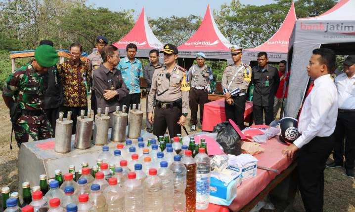 Polres Bojonegoro Musnahkan Ratusan Liter Miras