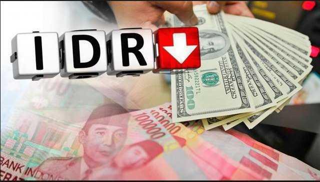 Kurs Dollar Semakin Menguat Rupiah Anjlok