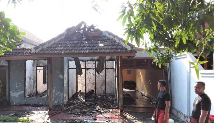 Rumah Seorang Guru SMP di Ngraho, Bojonegoro3