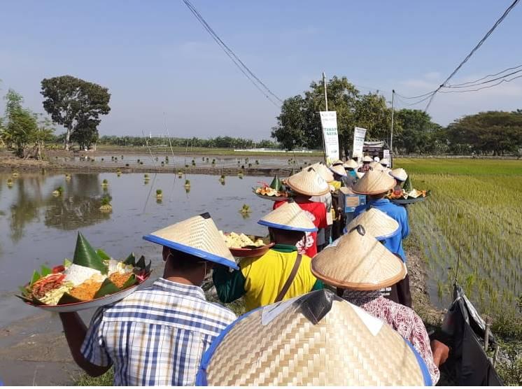 Desa Siser, Laren Dapat Kesempatan Menikmati Program MPPI oleh ACT dan POKTAN Lamongan 1