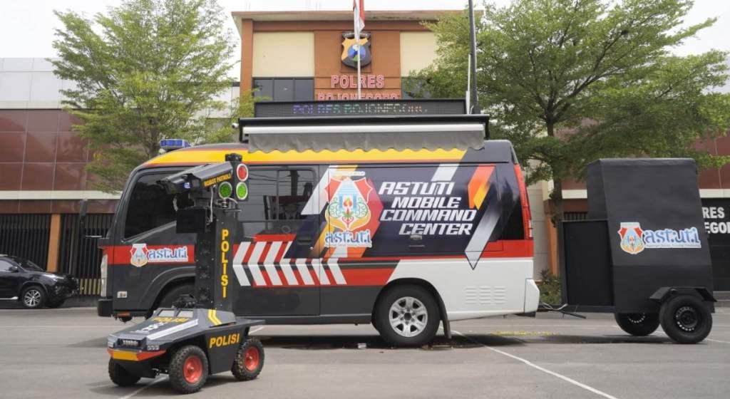 Polres Bojonegoro Memodifikasi Mobil Patroli Jadi Astuti Mobile Command Center 1
