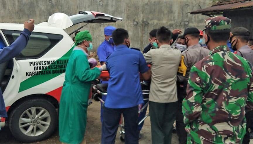 2 Orang Lemas dan Pingsan di Gedung Sarang Burung, Berhasil Dievakuasi Personil Damkar Bojonegoro 1