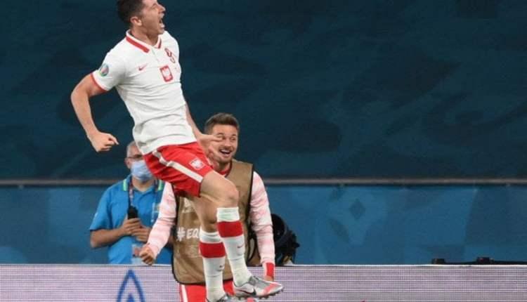Spanyol kembali seri setelah Lewandowksi selamatkan Polandia