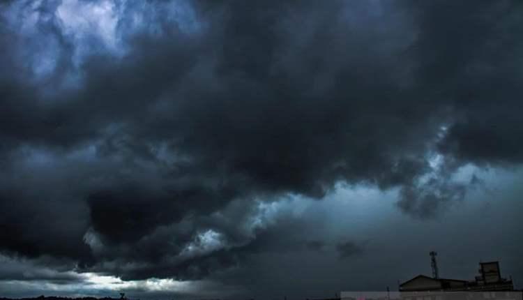 Waspada potensi hujan lebat dan angin kencang di sejumlah provinsi