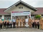 Foto bersama Pemkab Paluta dan Cabdis UPT Gunung Tua saat monitoring pelaksanaan UNBK tingkat SMK. Foto: Istimewa