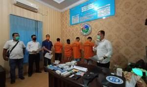 Konfrensi pers penangkapan 4 orang pengedar Psikotropika di Labuhan Batu. Foto: Istimewa