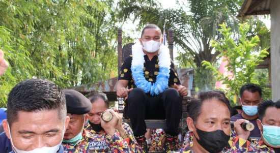 Bupati Tapanuli Tengah (Tapteng), Bakhtiar Ahmad Sibarani saat diangkat. Foto: istimewa