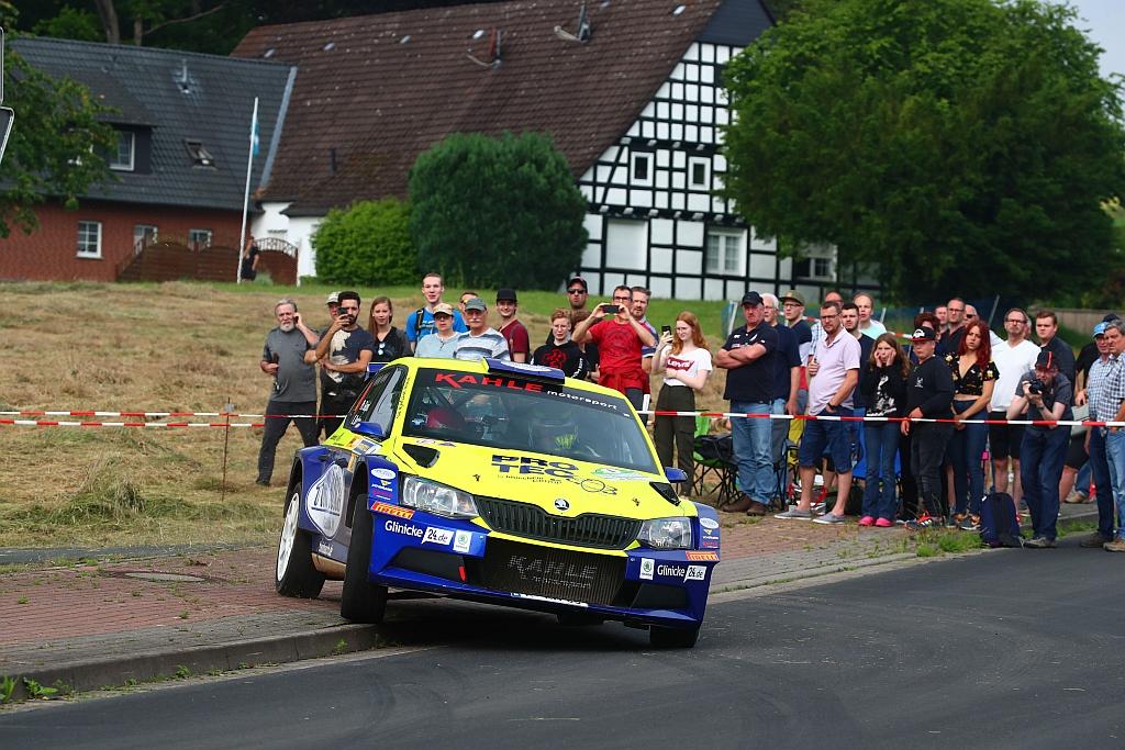 Starkes Feld und Elektro-Weltpremiere bei der ADAC Rallye Stemweder Berg