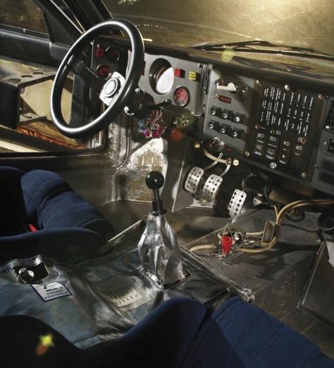 Lancia-Delta-S4-interior.jpg