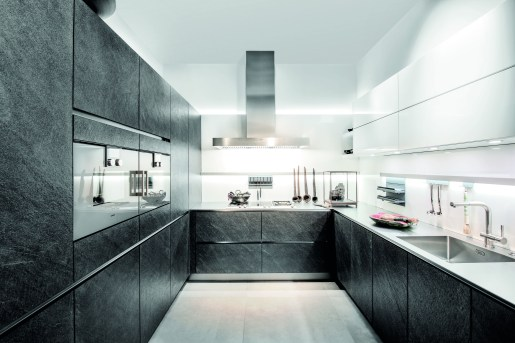 koje29_av7030gl_black_star_wet_kitchen