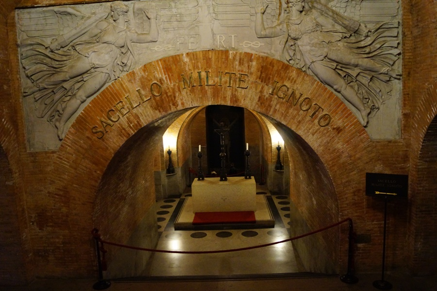 Roma - Altarul Patriei sau Il Vittoriano - un monument prea grandios