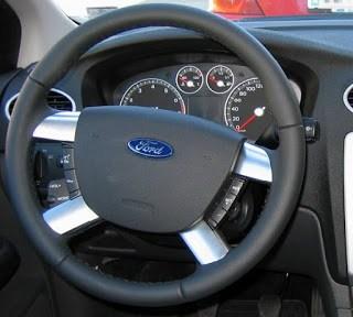 Conector CAN- BUS pentru integrarea pe volan