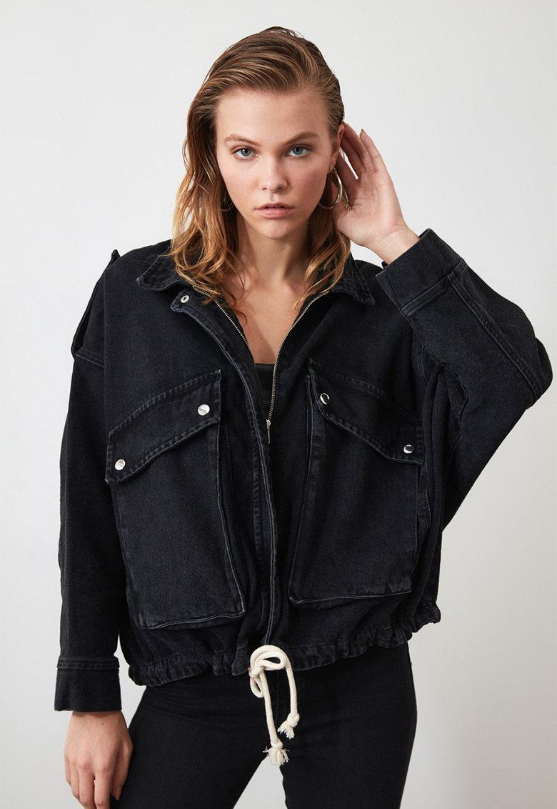 Jacheta din denim cu fermoar si model crop
