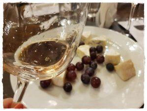 Liliac – Rosé Pinot Noir 2017 Brie au bleu – Ile de France + struguri roz