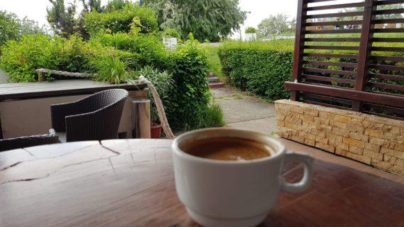 La o cafea la restaurantul hotelului Opal