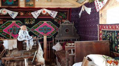 Mobila si decoratiuni traditionale