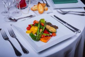 cena-espectaculo-barcelona-raluy-legacy-menu-vegano-600