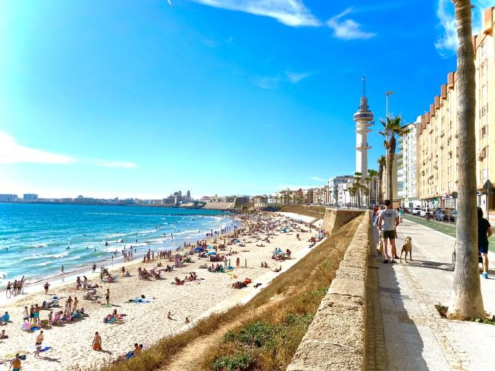 Playa de Santa María del Mar - Qué ver en Cádiz en un día