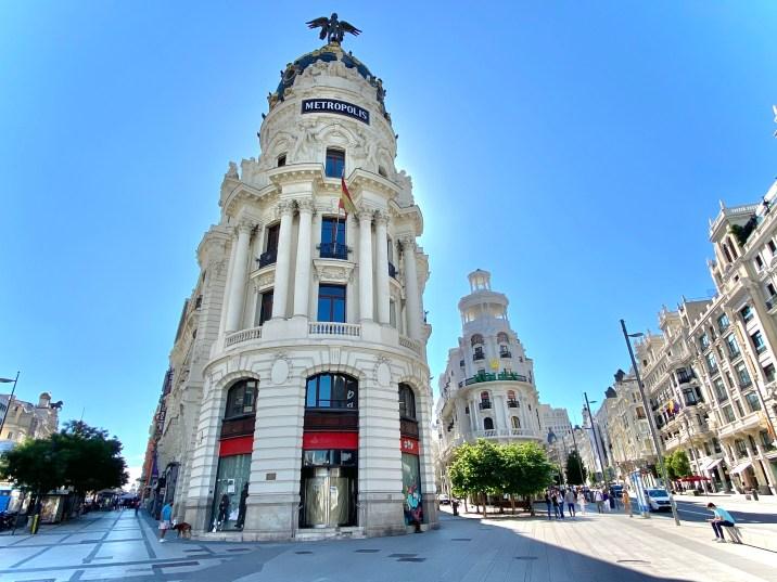 Edificio Metropolis - Lugares que no podemos dejar de ver en Madrid