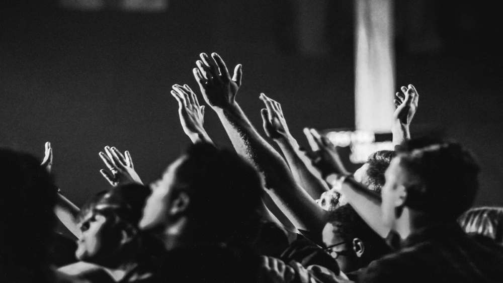 Why My Church Still Sings Hillsong and Bethel Music
