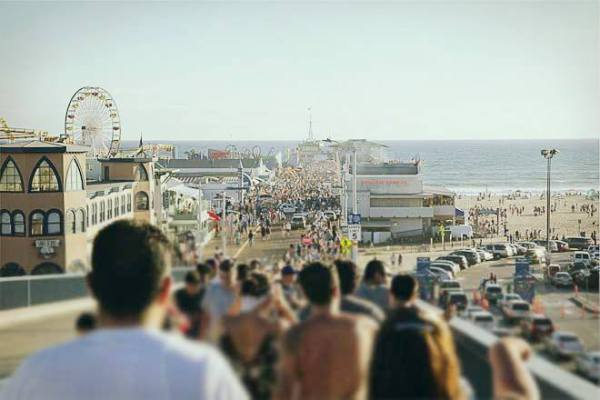 you know you're from california when beach crowd