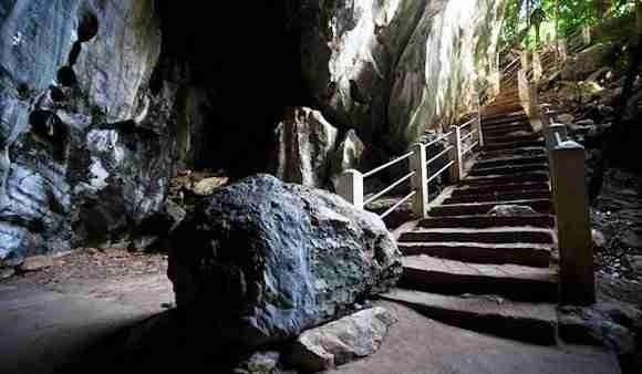 Phnom Chhngok Cave in Kampot Cambodia