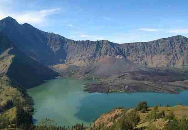 Segara Anak, the volcanic crater on the summit of Rinjani.