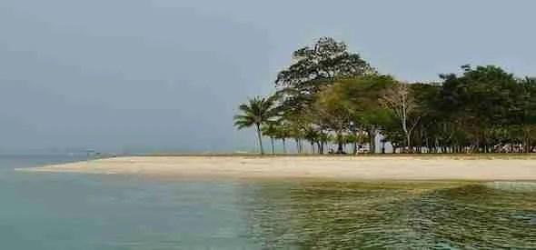 Pulau Ubin Beach in Singapore