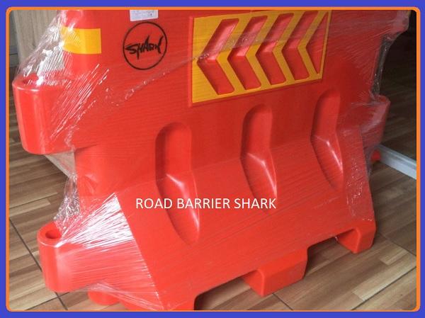 Jual road barrier shark