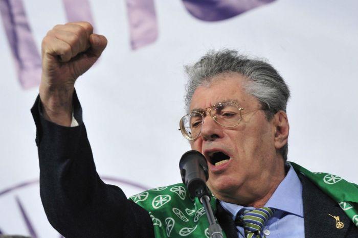 Per il leader della Lega Umberto Bossi la sanità italiana costa troppo