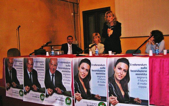 I relatori dell'incontro in Sala Rodi promosso dal Comitato di Cremona per i 4 Sì al referendum sulla procreazione assistita