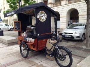 Bike cafè  sulla via Reale di Varsavia