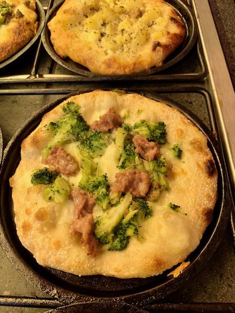 pizza broccoli e salsiccia Amerina la Pizzetta