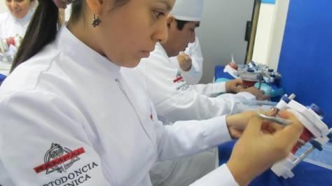 Ensayando los tratamientos a realizar en los pacientes