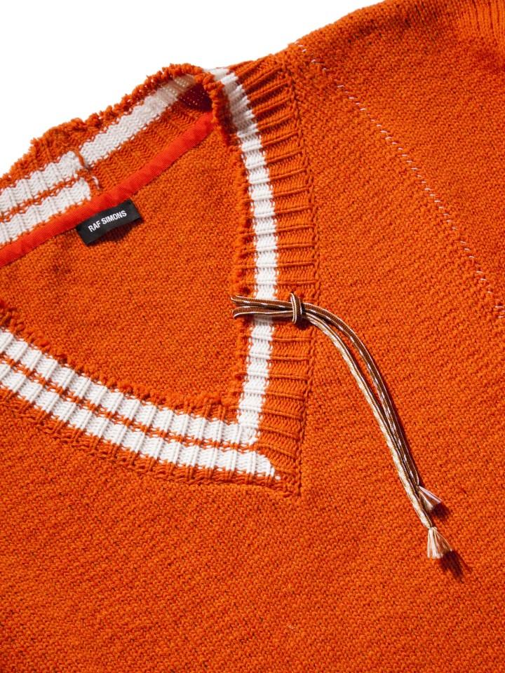 RAF_SIMONS_Extremely_Big_Destroyed_Stripe_V-Neck_Knit_Sweater_Orange_White_-2