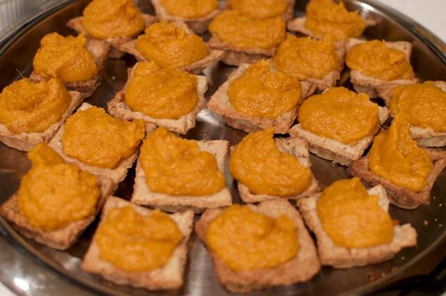 marshmallow sweet potatoes in pecan tart shells
