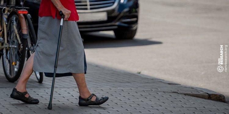 7cadf83bda691 Top 15 Best Velcro Shoes for Elderly Men & Women - Detailed Reviews!