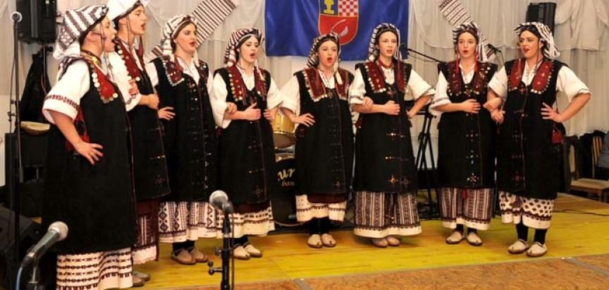 Tradicionalni susret raseljene Rame i gostiju u Jakšiću