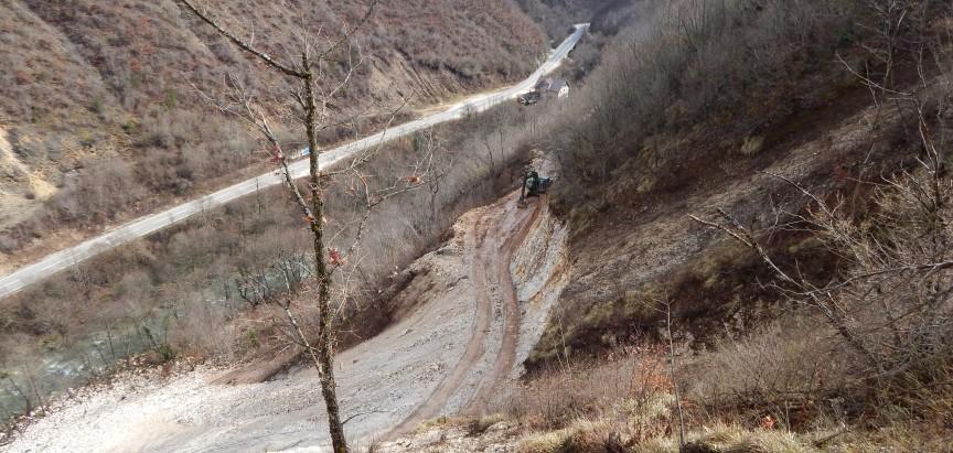 FOTO: Probijanje trase puta za Goricu